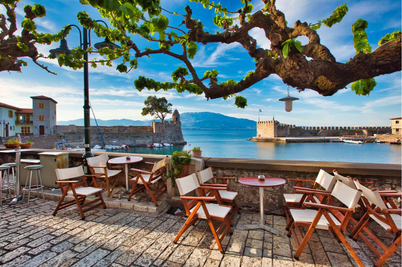 6 Ανοιξιάτικοι Προορισμοί στην Ελλάδα - Ναύπακτος - Alphadrive Rent a Car