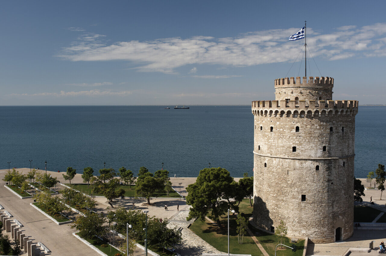 4 Sights of Thessaloniki That You Must Visit After Your Arrival-Learn the history of the White Tower-Alpharive Rent a car