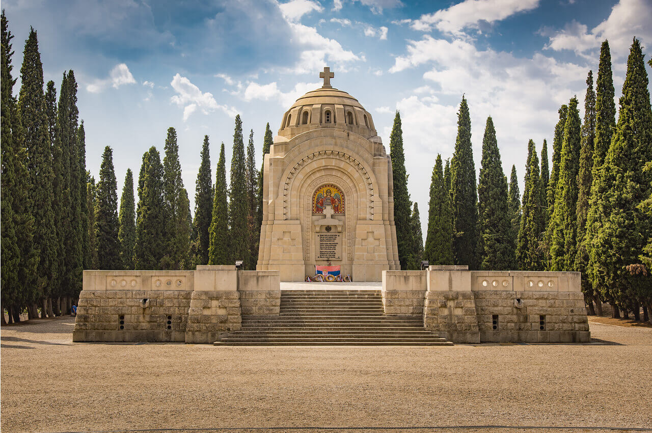 4 Sights of Thessaloniki That You Must Visit After Your Arrival-Zeitenlik Allied Military Cemeteries-Alpharive Rent a car